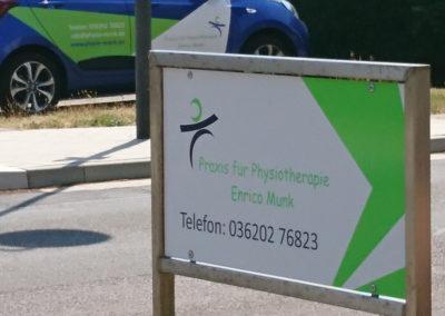 Drei Gleichen Druck -Beschilderung - Praxis für Physiotherapie Enrico Munk