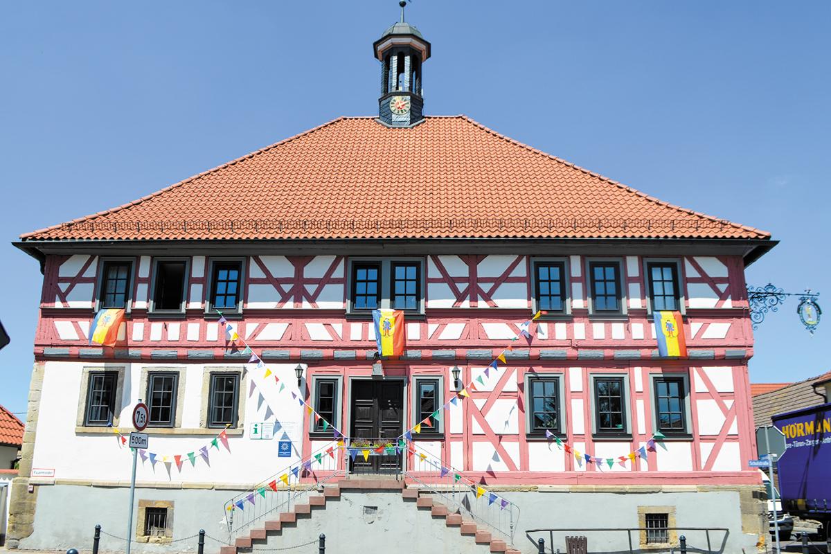 Burgen-Blick - Rathaus Drei Gleichen