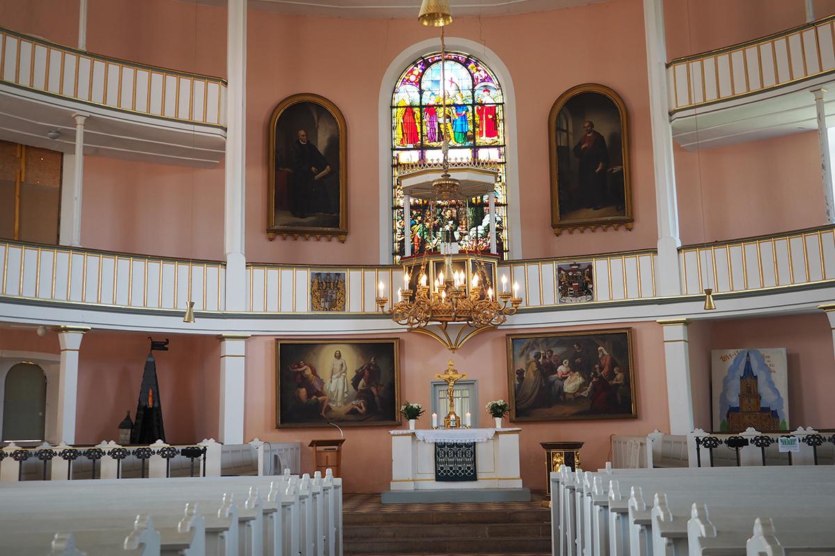 Burgen-Blick - St. Viti Kirche - Wahrer Freund verstorben