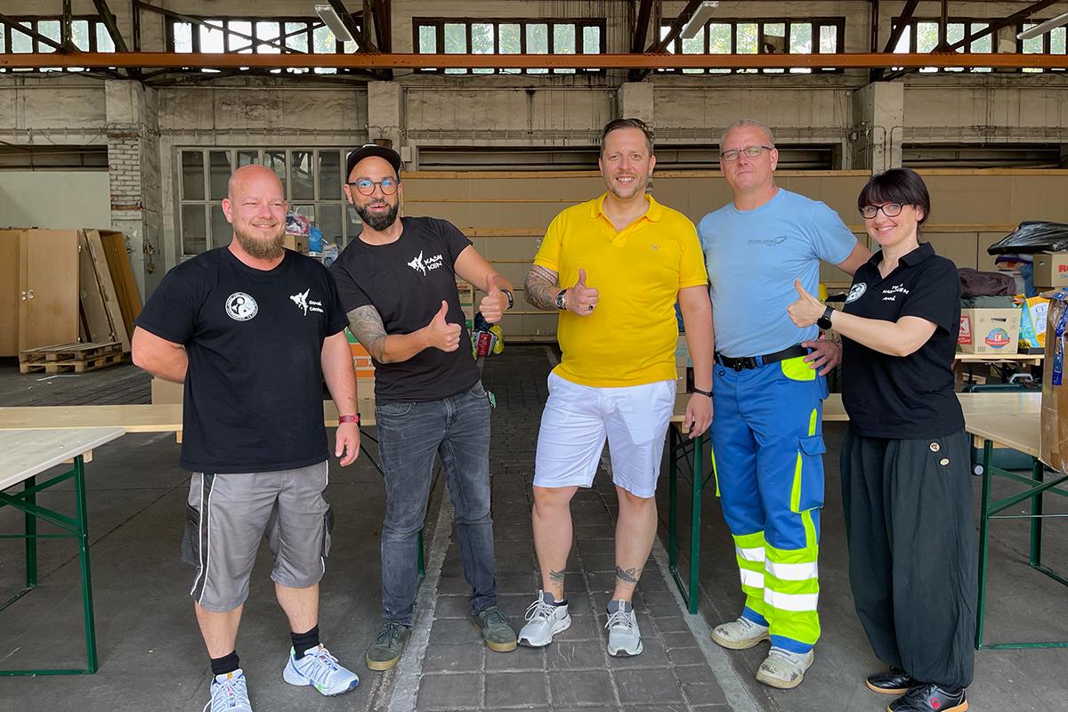Burgen-Blick - Kasai Ken und Helping-Angels sammeln Spenden